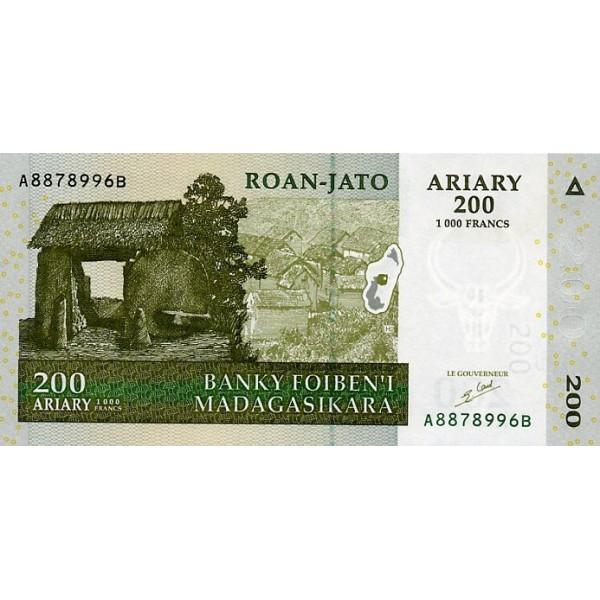 2004 - Madagascar pic 87 billete de 200 Ariary =1000 Francos