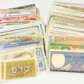 300 DIFFERENT Banknotes
